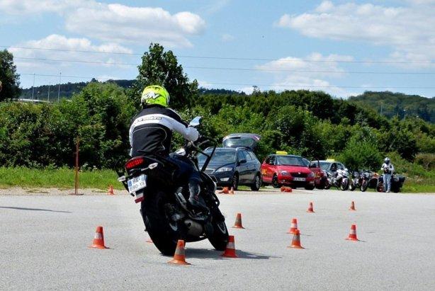 2014: Le permis moto A2 à peine en place, déjà plus cher