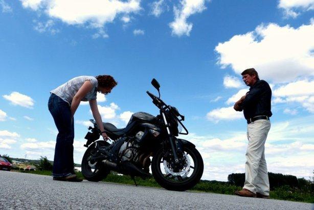 Les vérifications techniques de l'examen du permis moto 2013