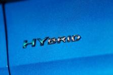 Les secrets pour bien conduire une voiture hybride rechargeable en AAC et après le permis