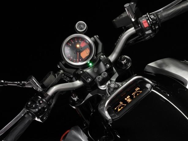 5 Astuces pour toujours trouver le point mort sur une  moto