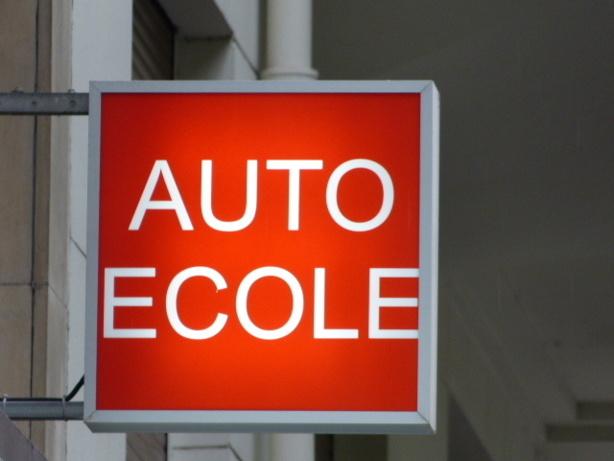Problèmes avec votre auto ecole ou votre permis : comment solutionner les litiges