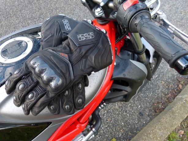 Les 5 règles d'or pour acheter ses gants de moto