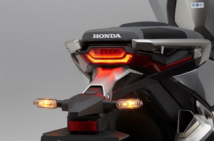 Honda X-ADV: l'innovation en vente libre et désormais en A2