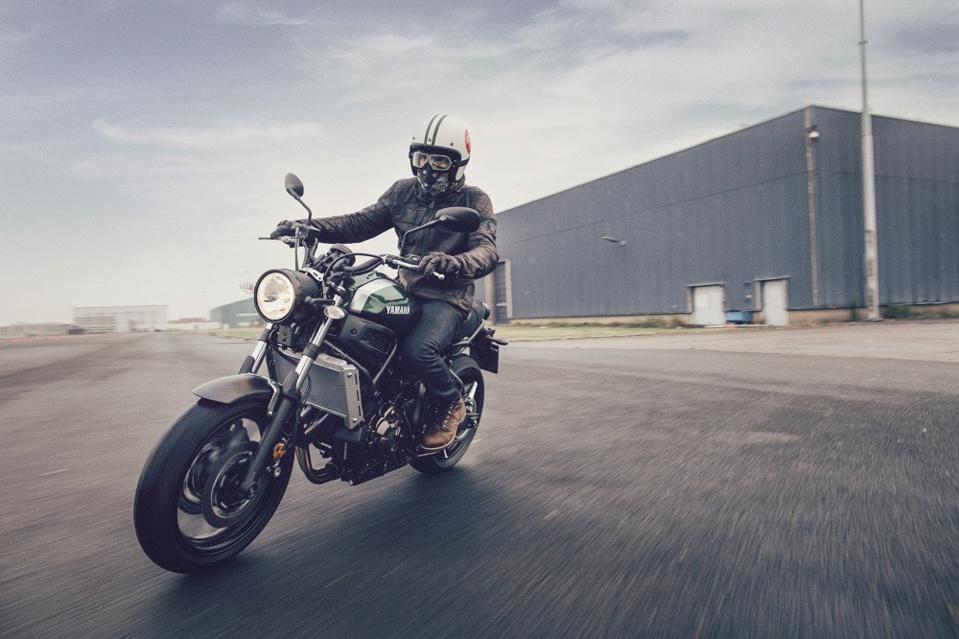 Yamaha 700 XSR A2 :  La guerre des mondes