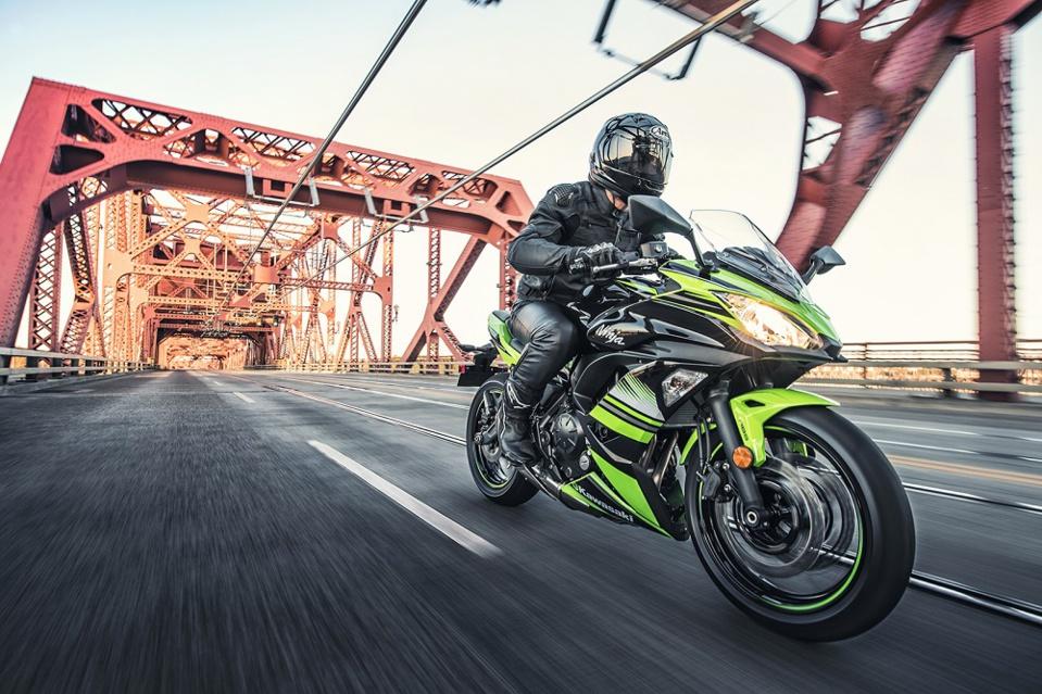 Kawasaki 650 Ninja: la moto A2 avec un couteau suisse