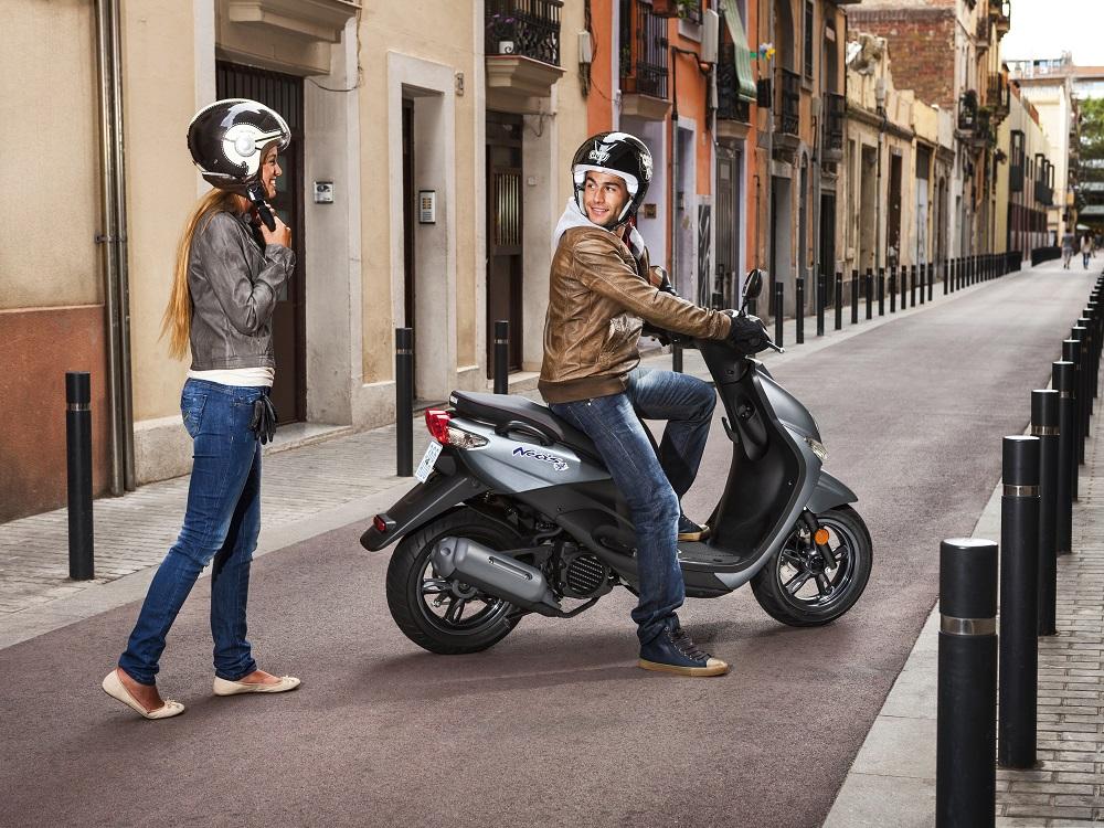 Scooters 50 et voitures sans permis: Tout savoir sur le Permis AM en 2019