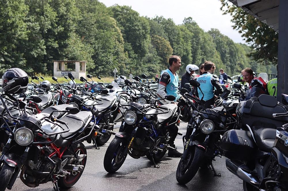 Tous les petits secrets de stages accélérés du permis moto