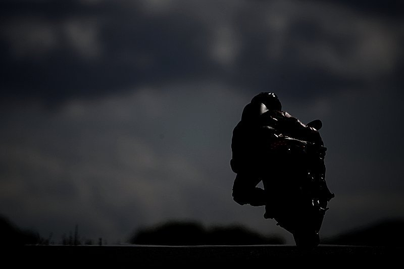 Fiche moto simplifiée N°10 : La fatigue et la route de nuit