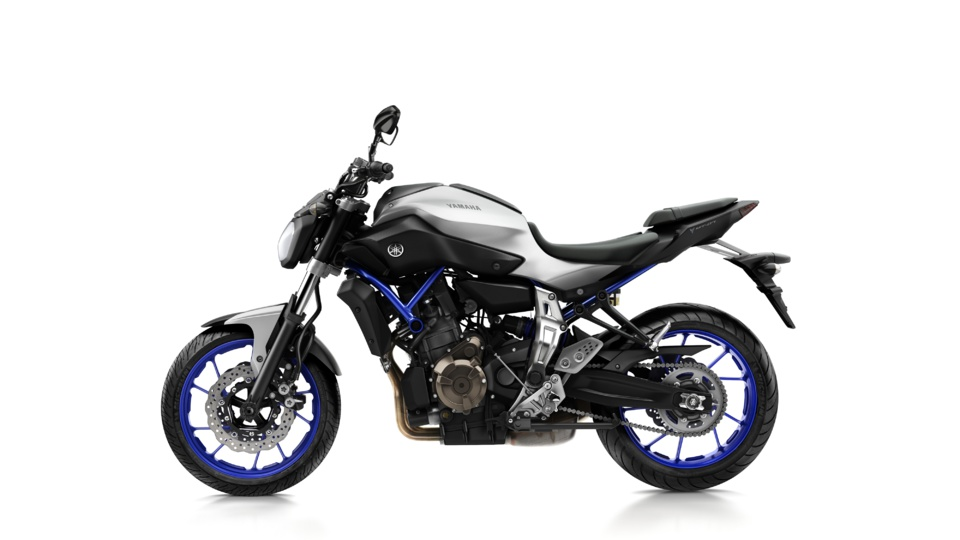 les v rifs techniques du permis moto en vid o sur la yamaha mt 07. Black Bedroom Furniture Sets. Home Design Ideas