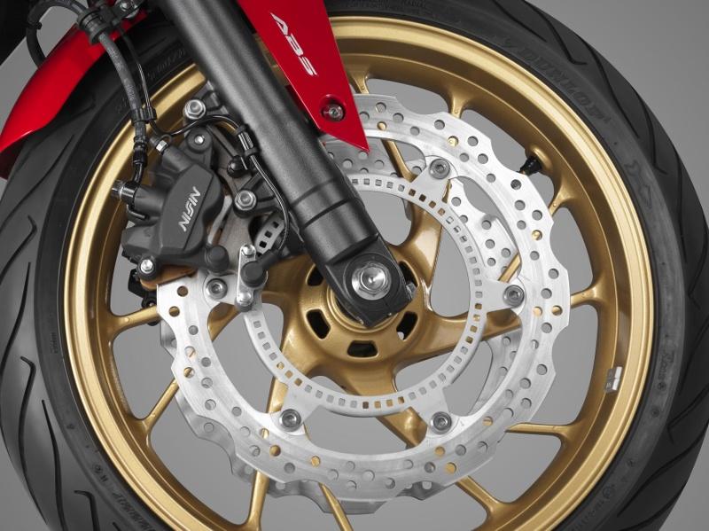 Honda CB650F: Débuter avec les 4 fantastiques