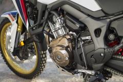 Honda CRF1000L AfricaTwin YM16 D751 (800x532)
