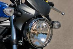 SV650 phare