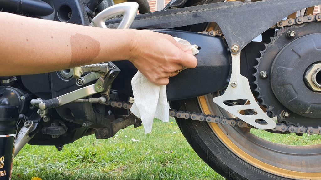lavage moto lingette bras 5