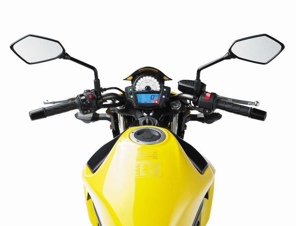 ER6N jaune 2 (1024x781)